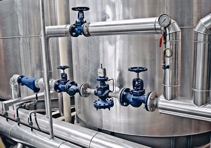 Instalação do sistema de vapor com estações redutoras de pressão e drenagem para a Engenho São Bento. Pelotas/RS